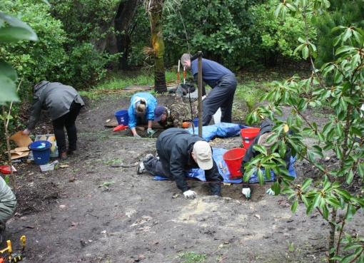 Anthropology gets muddy at excavation workshop