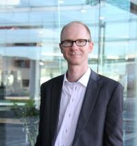 Dr Steffen Lippert